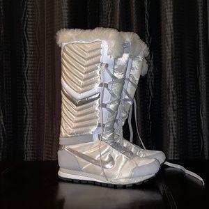 Nike Retro Fur Boots